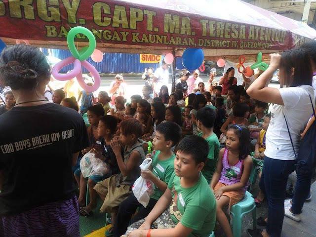 Muli na namang nagbigay ngiti ng mga bata ang Project Smile volunteers sa kanilang katatapos lang na Kalye Series