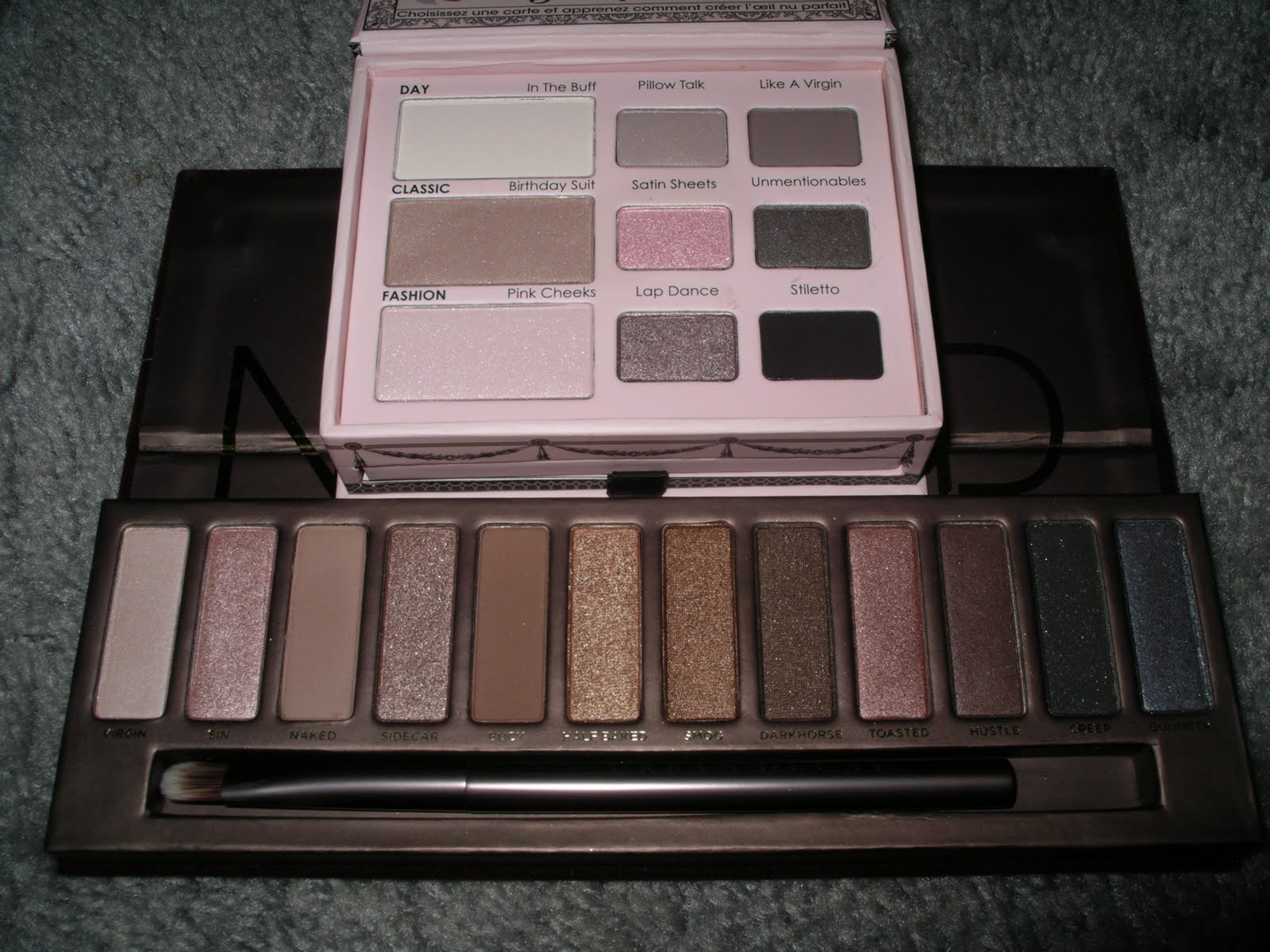the pink powderpuff urban decay naked palette v 39 s too. Black Bedroom Furniture Sets. Home Design Ideas