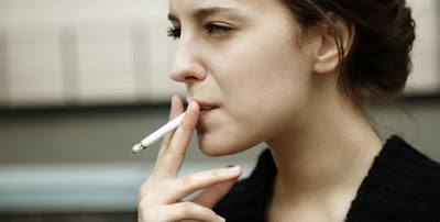 AWAS..!! Wanita Perokok Lebih Berisiko Sakit Jantung Ketimbang Pria Perokok