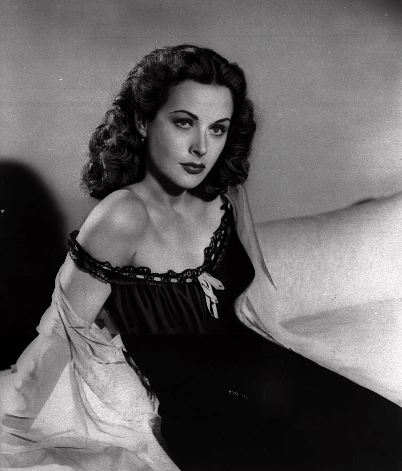 The Untold Stories Hedy Lamarr World S Most Beautiful Woman