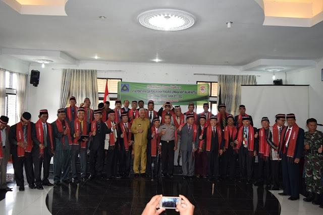 Lembaga Adat Dalihan Natolu Tobasa Dilantik Bupati