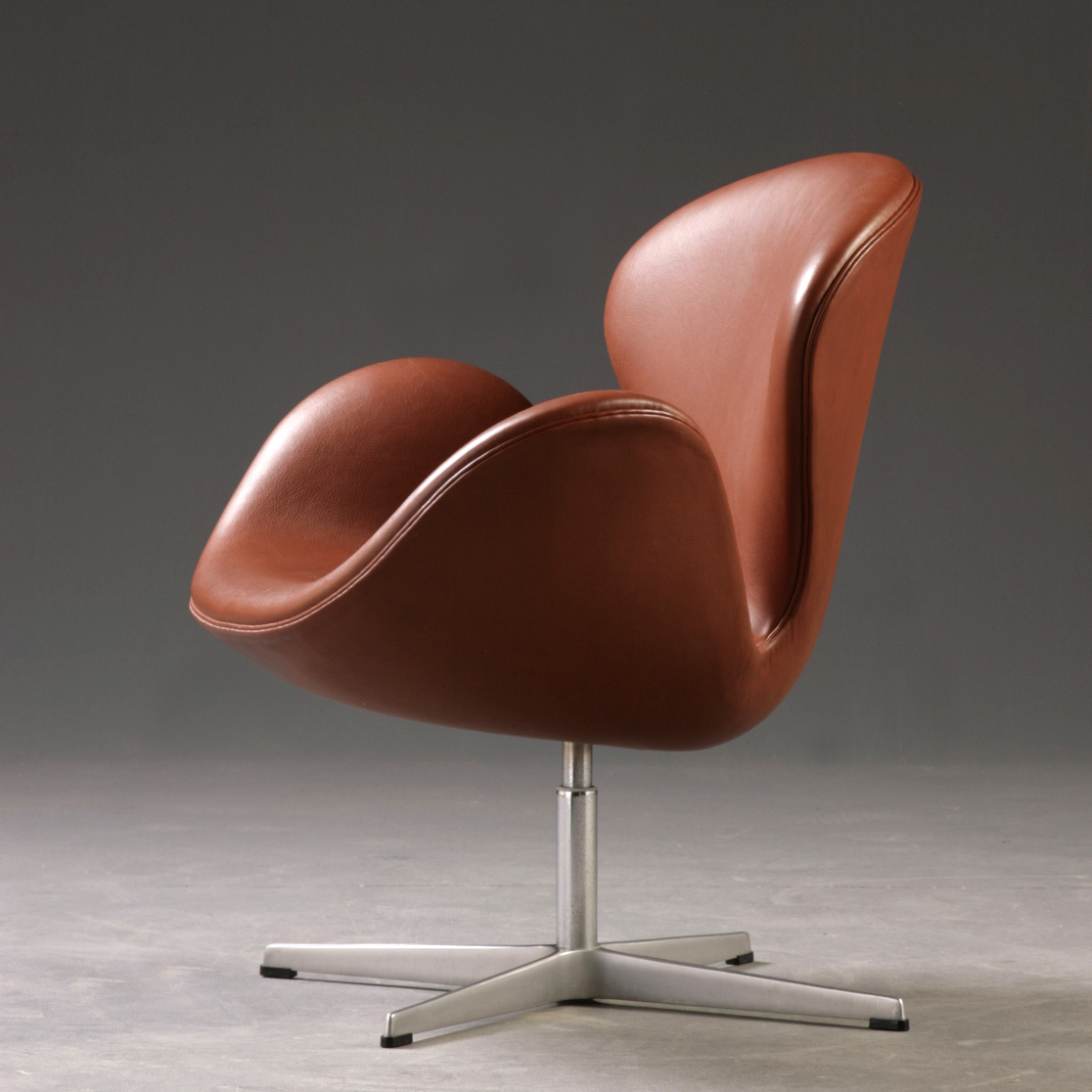 Arne Jacobsen Ceci N Est Pas Une Pipe Swan Modern