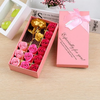 https://www.rosegal.com/artificial-flowers/1pc-gold-leaf-artificial-flower-and-12pcs-soap-roses-with-box-1751978.html?lkid=12812182
