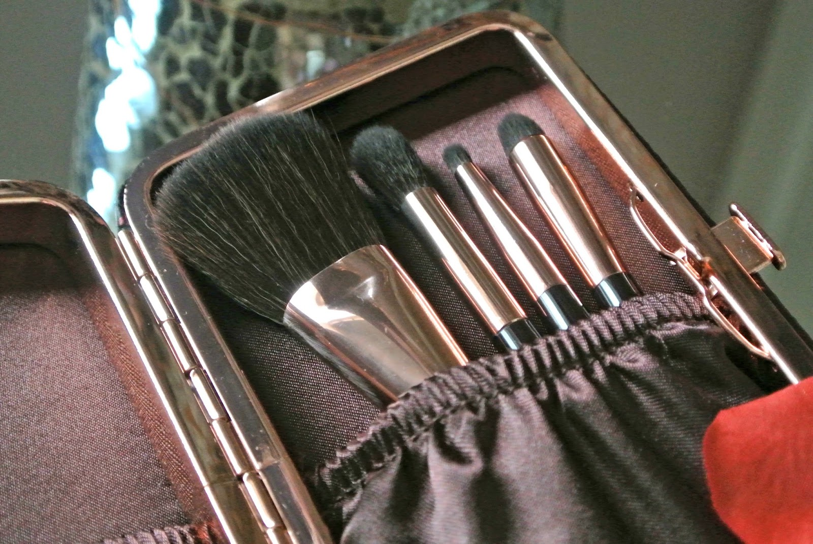 Charlotte Tilbury Gift Magical Mini Makeup Brush Set Image