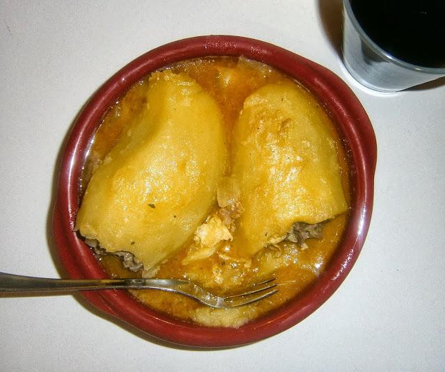 Patatas rellenas de carne.