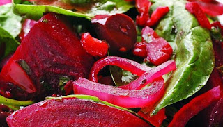 reteta salata de slabire cu sfecla rosie varza si spanac