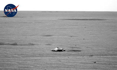Martian UFO snapped by the Mars Rover.