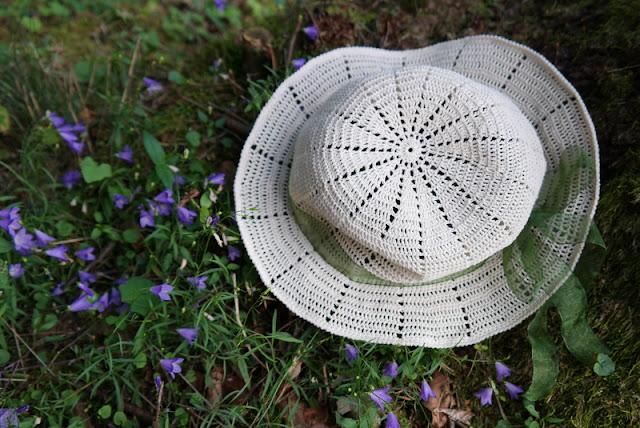 Szydełkowy, letni kapelusz