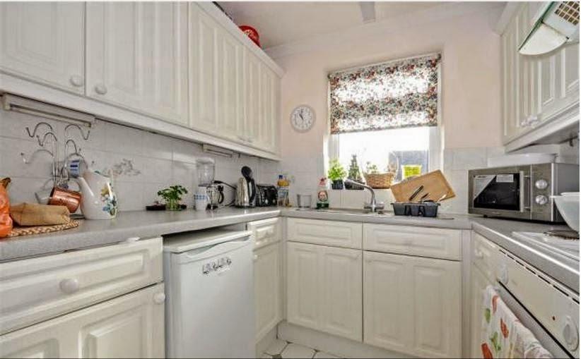 buytolet chichester flat kitchen