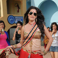 Lakshmi rai navel show in item song