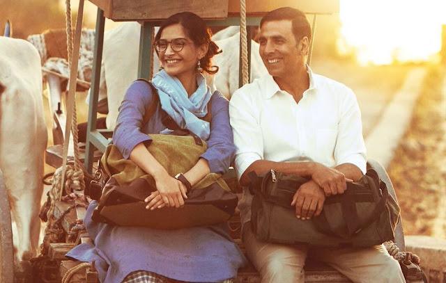 A Still from PadMan, Sonam Kapoor, Akshay Kumar