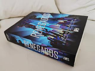 http://poramoraloslibros.blogspot.com/2018/08/resena-renegados-saga-renegados.html