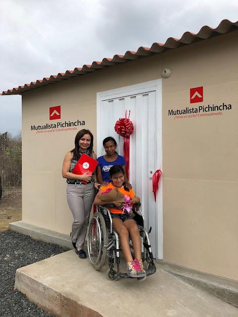Familia manabita cumple su sueño de festejar la Navidad con una casa propia gracias a Mutualista Pichincha