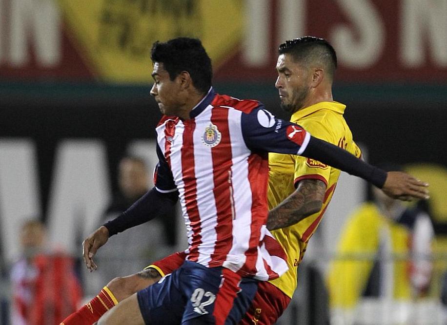 López debutó en el partido amistoso jugando para el Guadalajara contra Morelia.