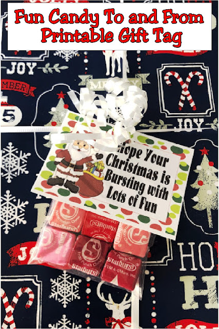Add this candy gift tag to your Christmas presents this year and you will be the one with the best gifts. These printable to and from tags will add a sweet touch to all the Christmas presents under your tree. #christmas #gifttag #toandfrom #printable #diypartymom