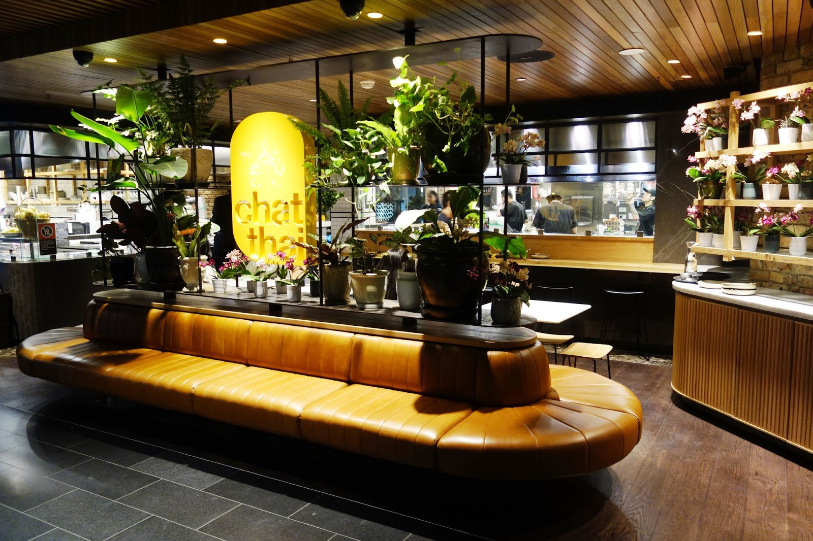 sydney chat The latest chat thai at gateway sydney opened last weekend, bringing the chat thai tally to six restaurantsalready well-ensconced in randwick, manly, thaitown, westfield sydney and the galeries, the new circular quay outlet is their biggest yet, seating 145 diners.