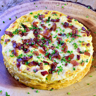 This Instant Pot Crustless Quiche Lorraine recipe uses @egglandsbest eggs, is super delicious, easy to make, and tastes amazing. Not only that, it is low-carb/Keto friendly and gluten-free! #breakfast #instantpot #eggs #lowcarb #keto #glutenfree #easy #recipe | bobbiskozykitchen.com