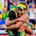 Mulheres avançam na praia, nas quadras, mais uma vitória e Phelps fica com prata em resultado curioso