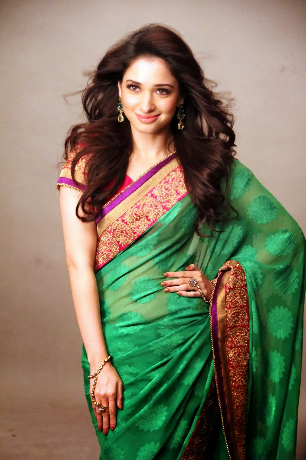 Tamanna Saree Gulte: SRINIVASU WALLPAPERS SS@: Tamanna Hot Wallpapers In Saree