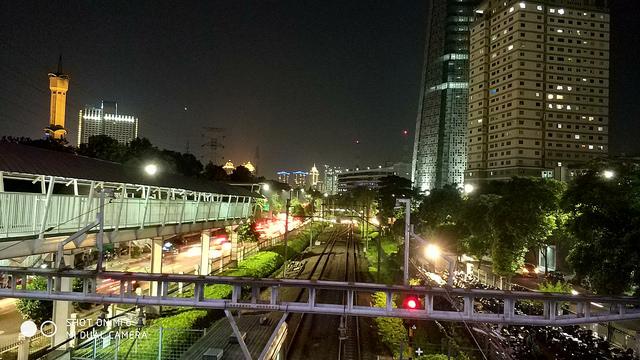 Hasil Foto Xiaomi Mi6 Malam Hari Dengan HDR