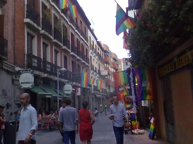 Programación de las fiestas del orgullo gay en la Calle Pelayo. Viernes 29 de junio