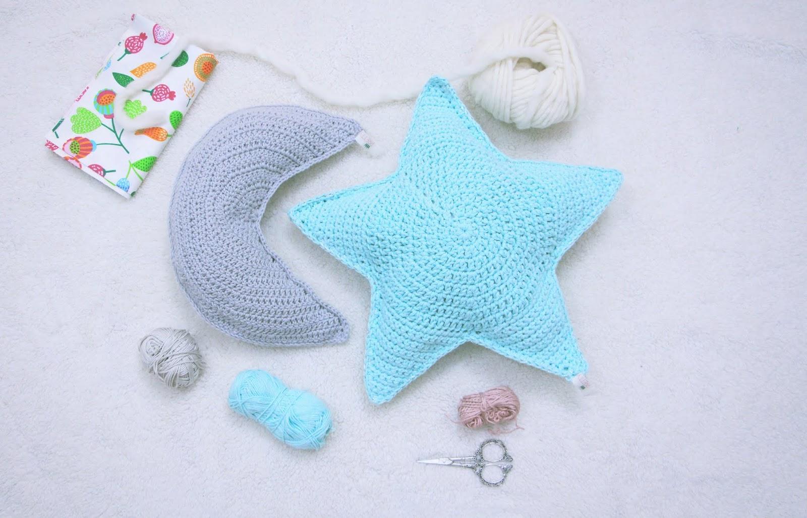 cojin luna crochet