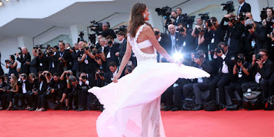 10 Surprising Red Carpet Secrets From a Celebrity Stylist