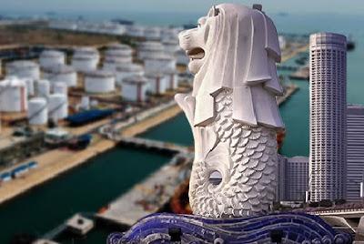 Singapura sebagai negara dengan luas wilayah terkecil di Asia Tenggara ternyata kapasitas produksi kilang minyak mereka jauh di atas Indonesia.