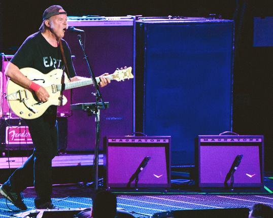 Magnatone Verstärker und Neil Young