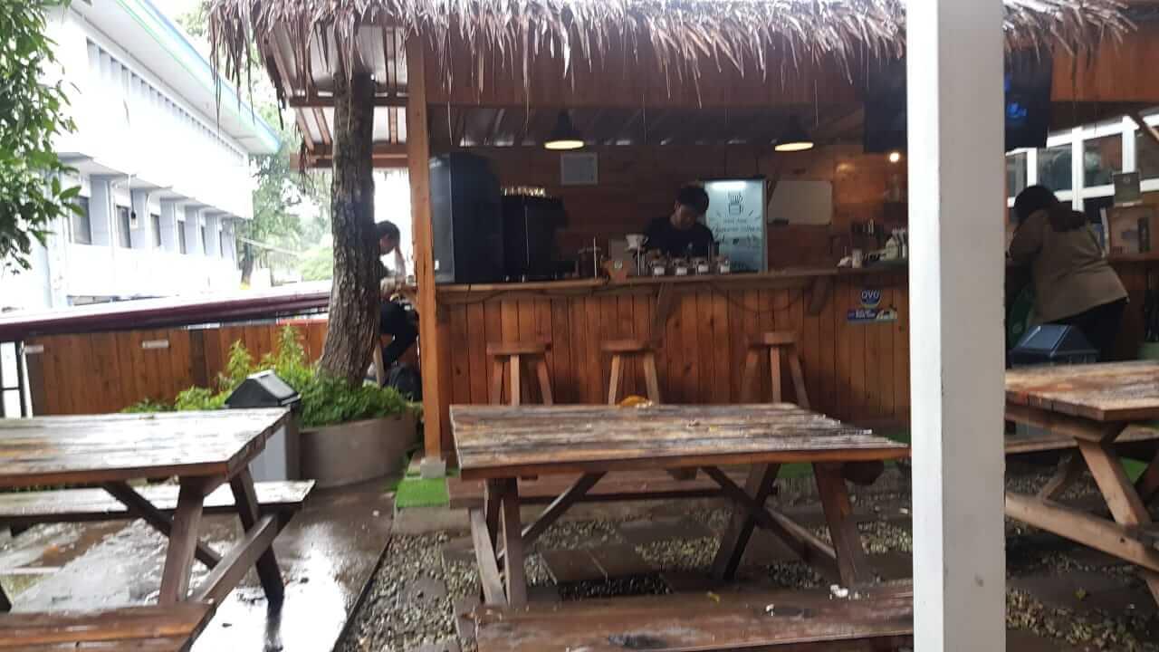 tempat buat kopi di Cafe Garden Coffee Bandung