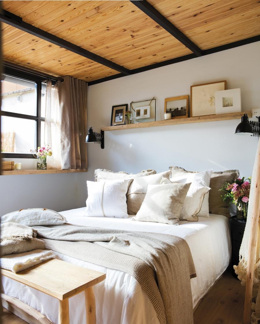 Mieszkanie w skandynawsko - industrialnym stylu, wystrój wnętrz, wnętrza, urządzanie domu, dekoracje wnętrz, aranżacja wnętrz, inspiracje wnętrz,interior design , dom i wnętrze, aranżacja mieszkania, modne wnętrza, styl skandynawski, styl industrialny, sypialnia, czarne elementy