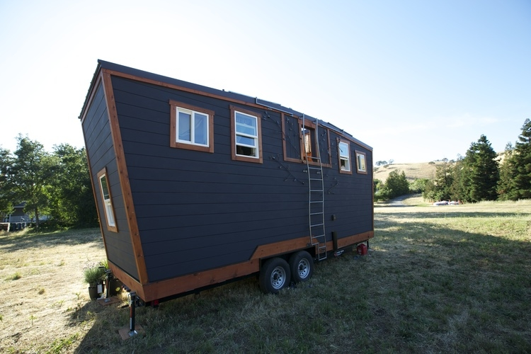 10-The-Back-Brian-Crabb-Tiny-House-on-wheels-www-designstack-co