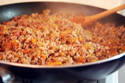 Przesmażone warzywa z mięsem