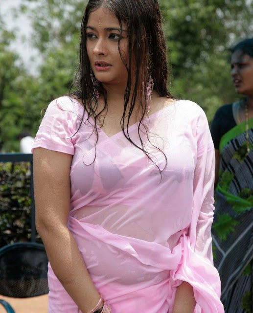Kiran Rathod in saree
