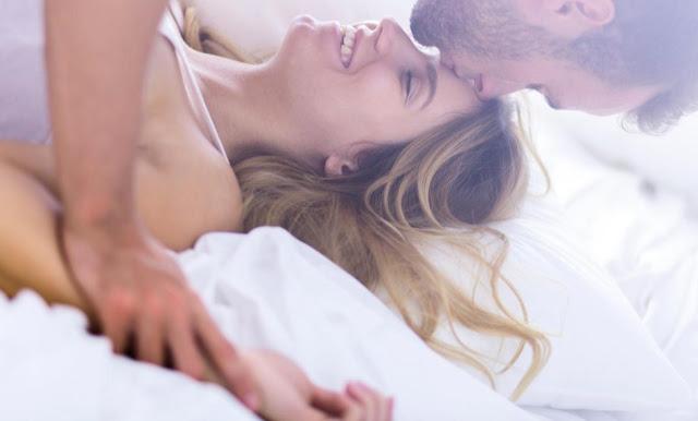 Berhubungan Seks di Pagi Hari Lebih Nikmat Ketimbang Sarapan