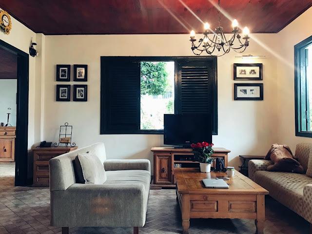 Phòng khách tại villa MS