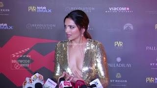 Deepika Padukone Promoting   Return of Xander Cage in India in Golde Gown 55 .xyz.jpg