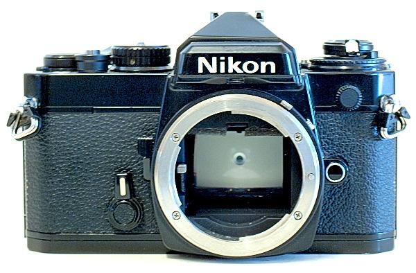 Nikon FE, Front