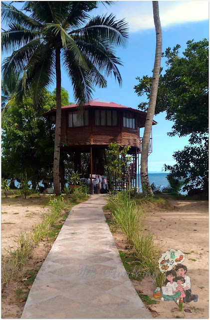 Laiya Coco Grove Resort Treehouse