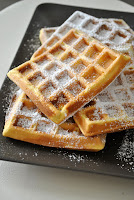 http://cuochilla.blogspot.it/2016/01/waffles-due-ricette.html