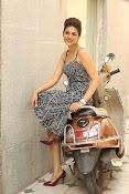shraddha das glamorous photos-thumbnail-62