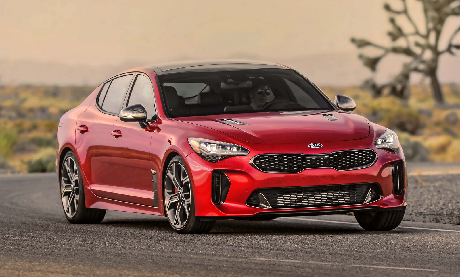 2018 kia stinger lease deals start from 382 a month carscoops. Black Bedroom Furniture Sets. Home Design Ideas
