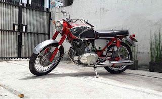 Jual Koleksi Motor Honda Lawas Dream 250 dan Pispot C65