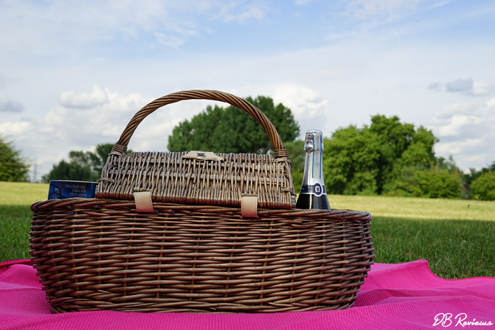 Deluxe Antique Wash 4 Person Wicker Picnic Basket from The Basket Company