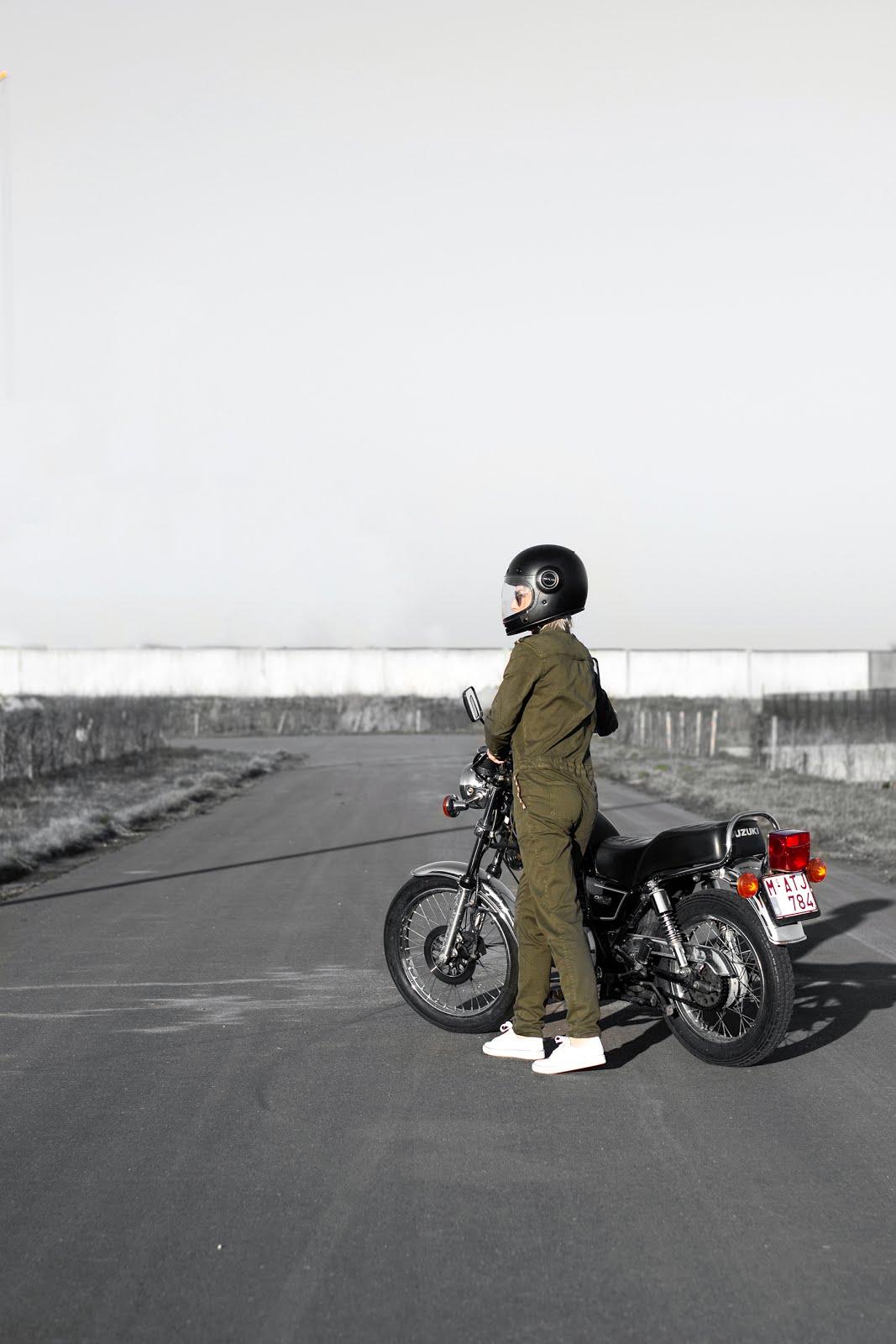 s.oliver, global traveller, jumpsuit, boiler suit, khaki green, suzuki gn125, motorcycle, bell bullitt helmet,  outfit, street style, spring 2019