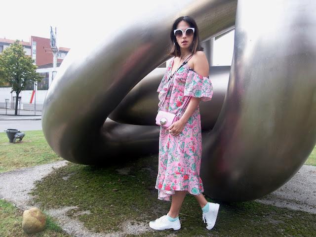 fashion, moda, look, outfit, blog, blogger, walking, penny, lane, streetstyle, style, estilo, trendy, rock, boho, chic, cool, casual, ropa, cloth, garment, inspiration, fashionblogger, art, photo, photograph, Avilés, oviedo, gijón, asturias, vestido, dress, original, circus, circu, retro, cat-eye, bolso, bag,
