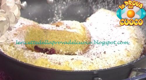 Torta di ciliegie in padella ricetta Cattelani da Prova del Cuoco