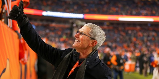 Apple CEO Tim Cook Earned $102 Million In 2017, As He Now Required To Fly Privately