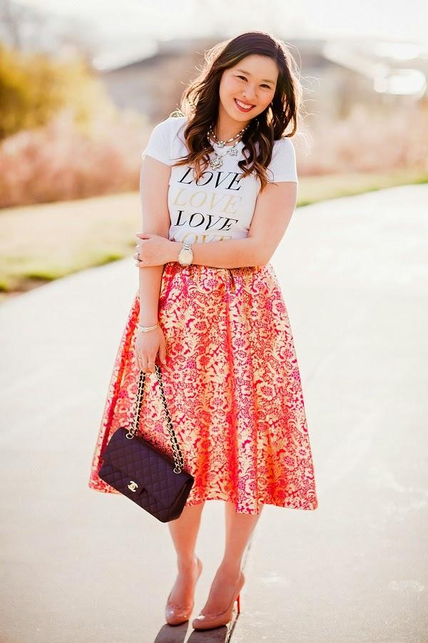 404311b03e : Fashion Link Up + Ode to A Maxi Skirt - Orange Tribal Print Maxi w/ White  Tank