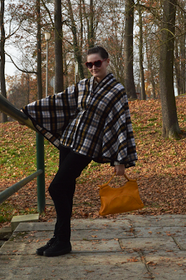 quaintrelle, georgiana, quaint, outfit, ootd, cape, tartan, diy